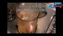 让孩子爱上吃饭之小妙招:如何将煮熟的鸡蛋切成心形!