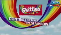 【这绝对是史上最辣眼睛的广告!不服你来打我!】你觉得彩虹糖的那个长颈鹿广告有什么不对吗?你感觉是对的!!!为什么彩虹糖连母亲节的广告都能做的这么辣眼睛!!!然而你以为这就是他们的极限吗?并不是,更刺激的还在后面!