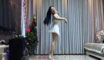青青世界广场舞《爱情重新来》