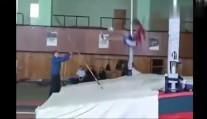 奥运会上女子撑杆跳比赛是最受喜欢的项目, 原来是有原因的