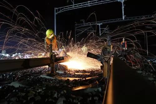 今晨,沪通铁路顺利接入宁启铁路!未来,泰州出发,坐动车可直达