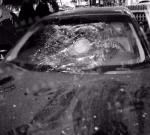 大晚上,姜堰一男子路边疯狂踹车,场面堪比动作片!