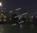 市区这处新建的篮球场无亮化!市民摸黑打球期盼灯光