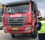 严查!泰州交警连续查获多辆严重超载货运车辆