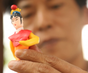 百集微视频《发现泰州之美》第四十八集:活灵活现跃指间