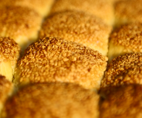 百集微視頻《發現泰州之美》第五十五集:黃橋燒餅黃又黃