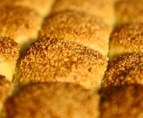 百集微视频《发现泰州之美》第五十五集:黄桥烧饼黄又黄