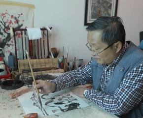 他創造了一個新畫種在手機上傳播,讓歐洲人讀懂了泰州······請看《時代新發現·泰州故事》第四十五集:微畫勾勒大時代