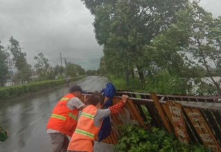 """【视频新闻】台风""""温比亚""""登陆 全市各地积极应对"""