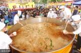一碗由800斤米粉打造的最大碗老友粉