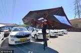 """上海一驾校教练车装""""避暑神器"""" 学员学车不怕晒"""