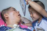 【图文】4岁孩子病房作画 8个月唤醒植物人父亲