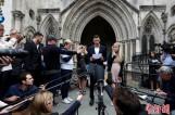 【图文】英国为一绝症婴儿举行听证会 父母宣布放弃出国治疗